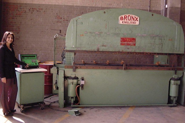 Bronx 122 Ton X 10 Cnc Press Brake