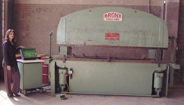 Bronx 122 Ton X 10 Cnc Press Brake